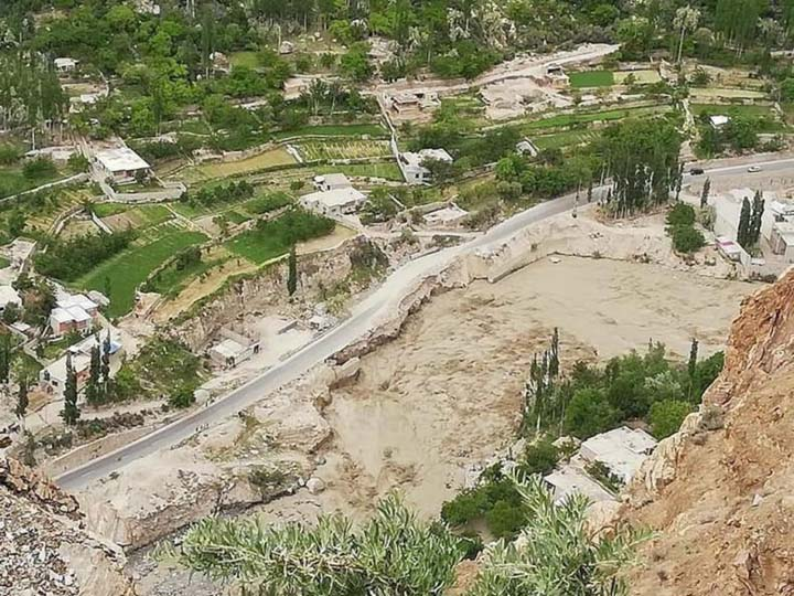 Surging glacier creates lake, floods Hunza valley