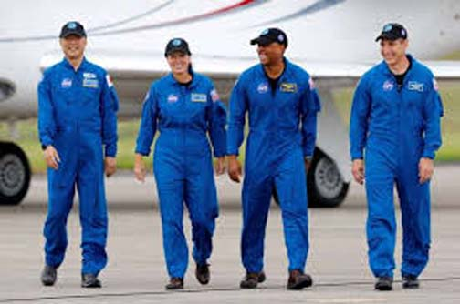 SpaceX launches astronaut crew in first operational mission