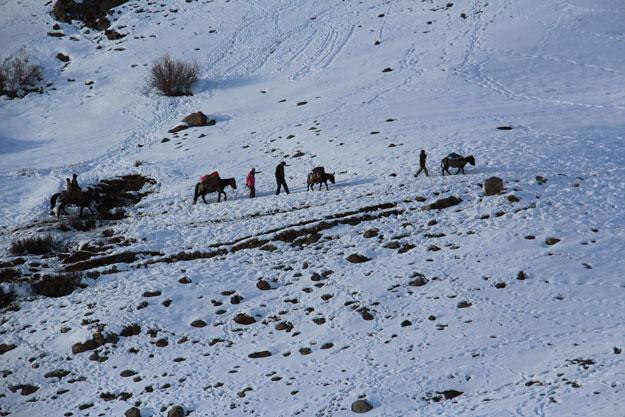 Snowfall, road blockade cause food crisis in Broghil