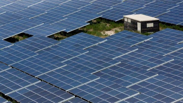 US envoy criticised for optimism on clean tech