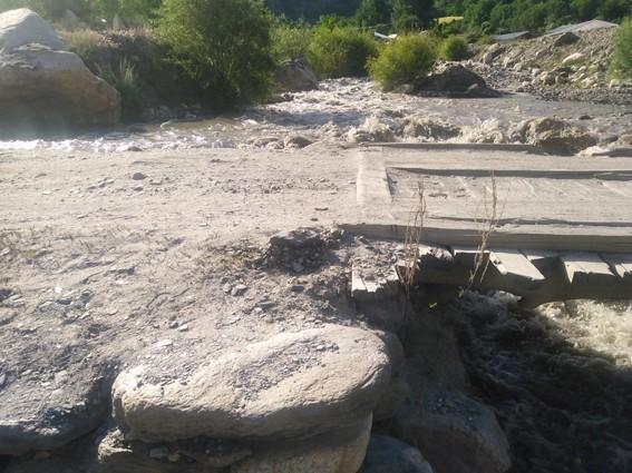 ریشن کے بعد گرم چشمہ روڈ کے دریا برد ہونے کا این ایچ اے والے انتظار کررہے ہیں: قیمت شاہ