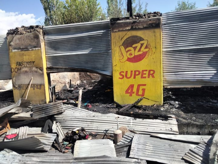 10 ladies shops gutted in fire